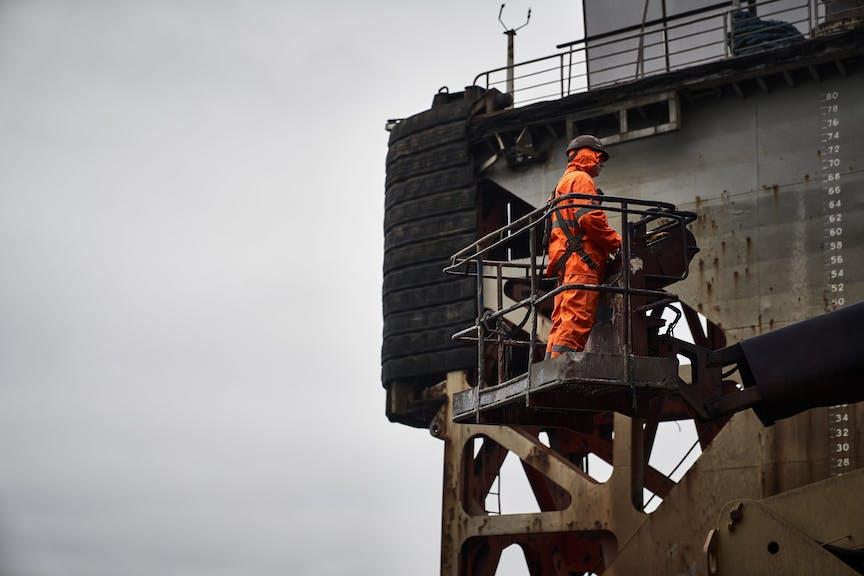 Worker in Oresund drydock