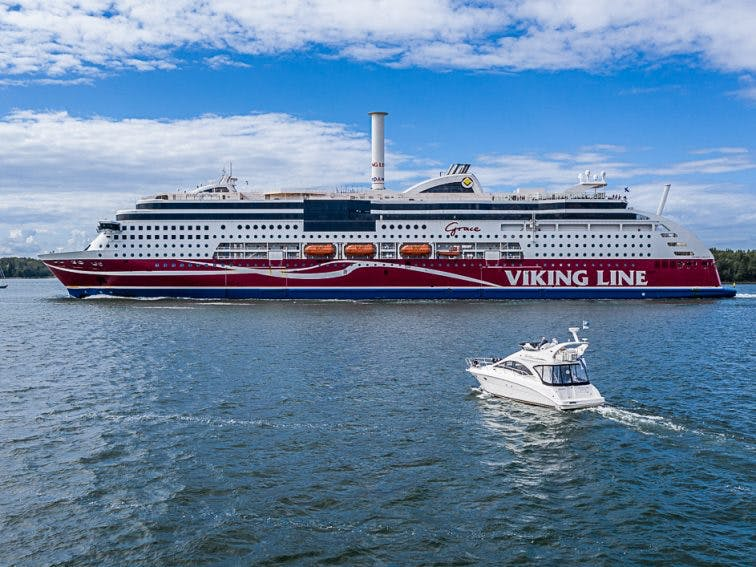 Sailing boat, motorboat and ferry. JanKarlsson_200729_DJI_0069