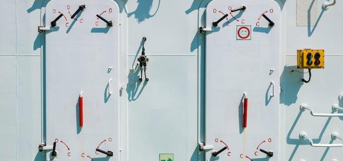 Ship,Equipment,And,Facilities.,Watertight,Hatch,Doors.