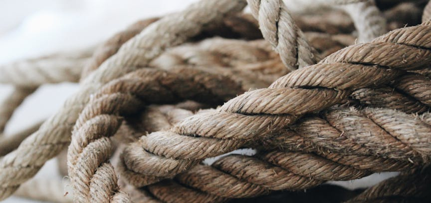 close-up-photo-of-rope-906060 1