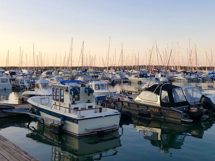 Båtar i hamnen